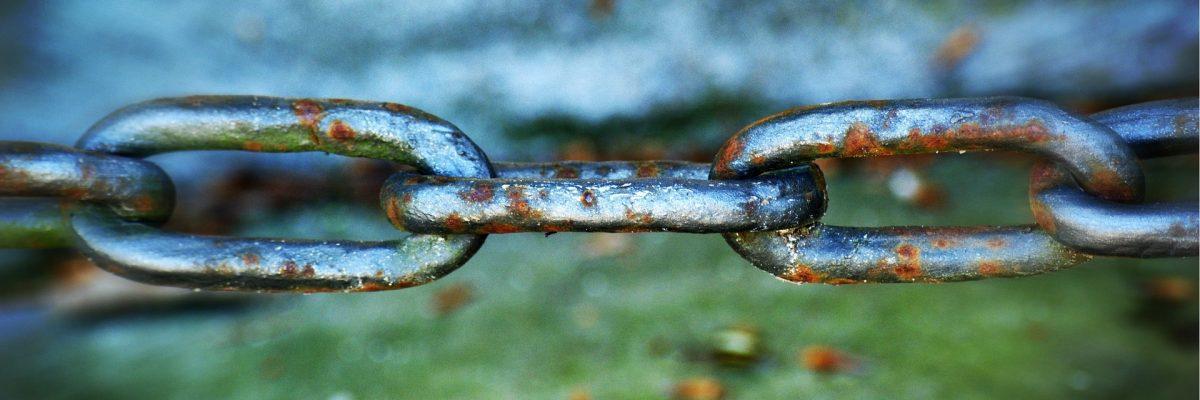 https://pixabay.com/photos/chain-rust-metal-iron-1376478/